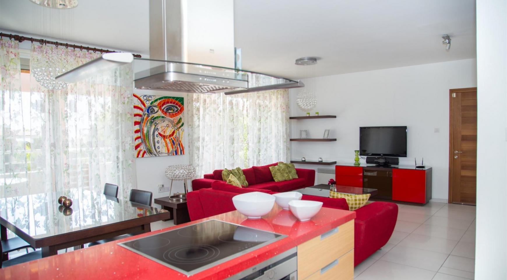 Красивая Двухуровневая 2-Спальная Квартира в Комплексе возле Моря - 3