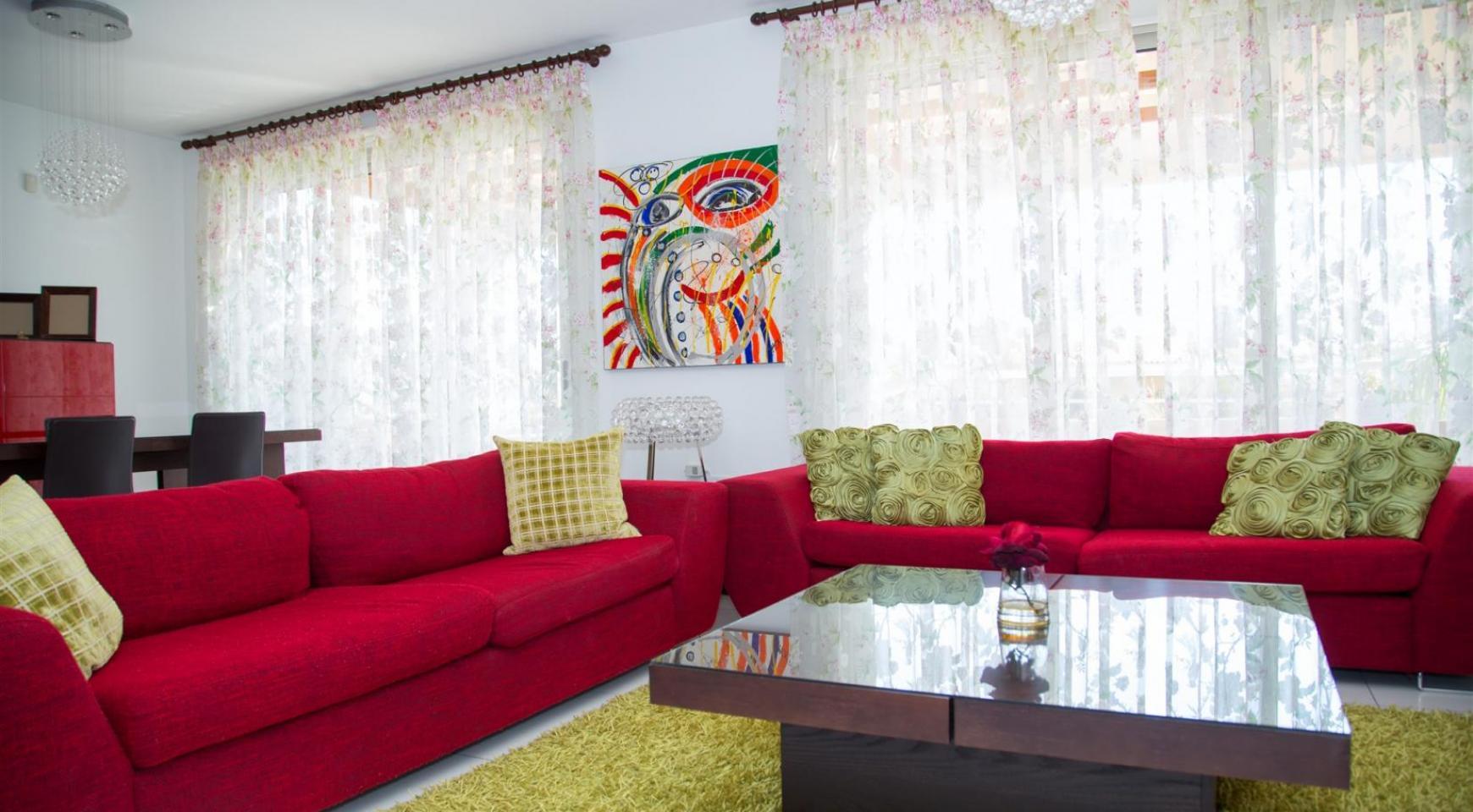 Красивая Двухуровневая 2-Спальная Квартира в Комплексе возле Моря - 2