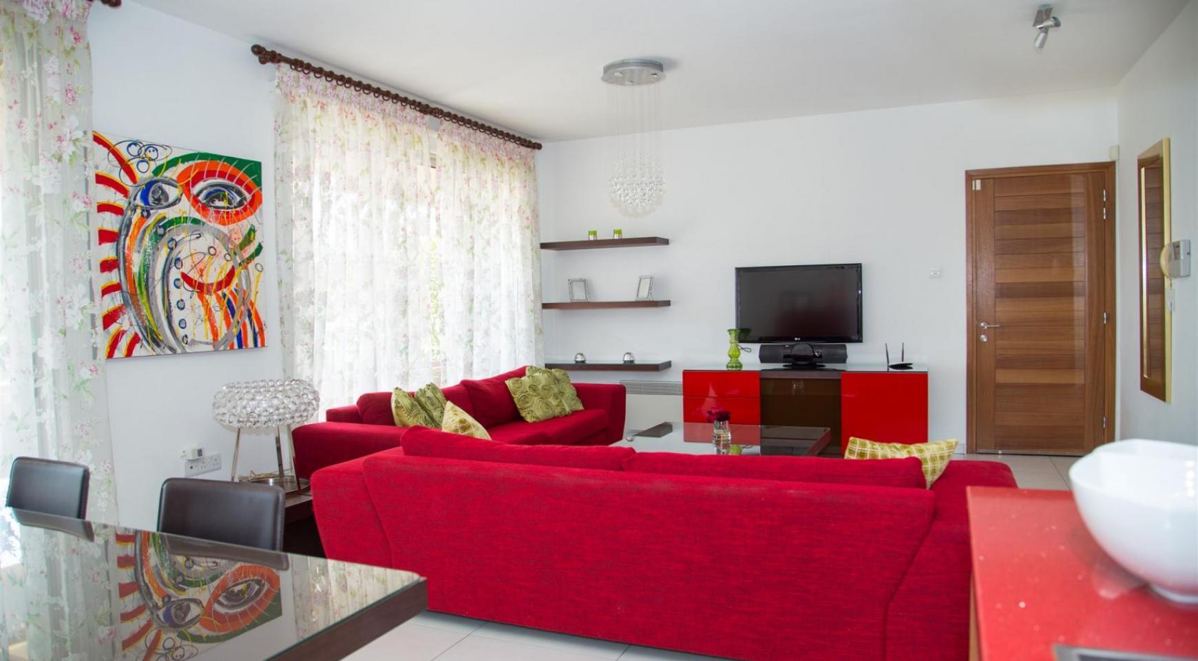 Красивая Двухуровневая 2-Спальная Квартира в Комплексе возле Моря - 1