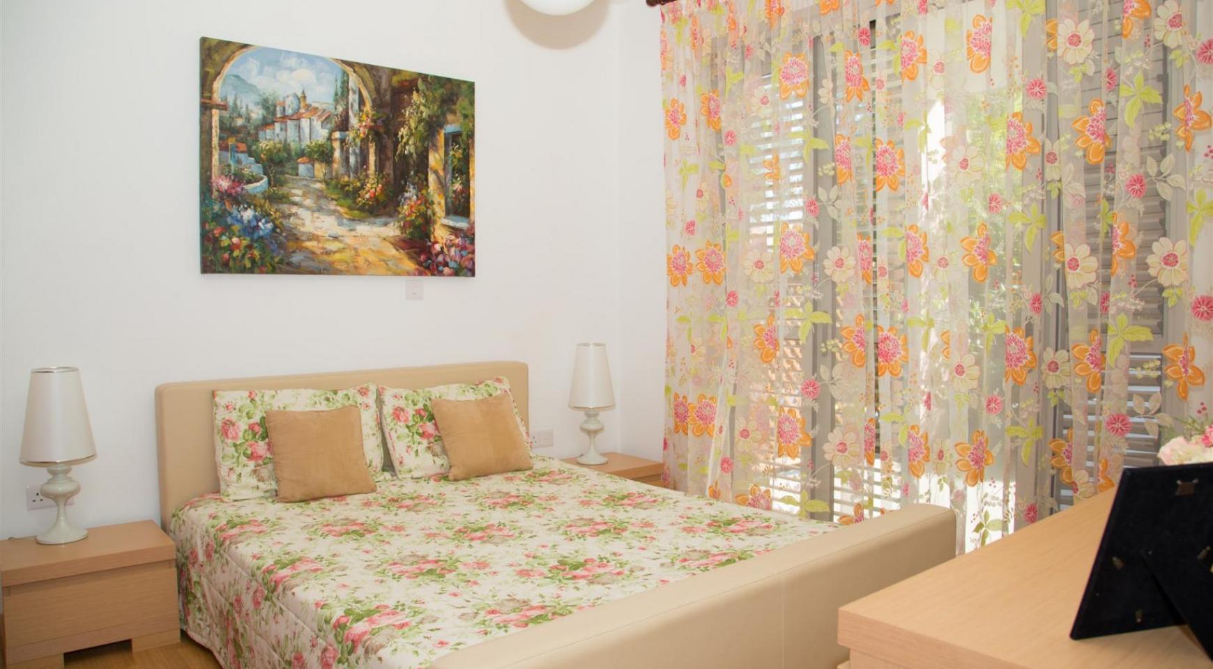 Красивая Двухуровневая 2-Спальная Квартира в Комплексе возле Моря - 10