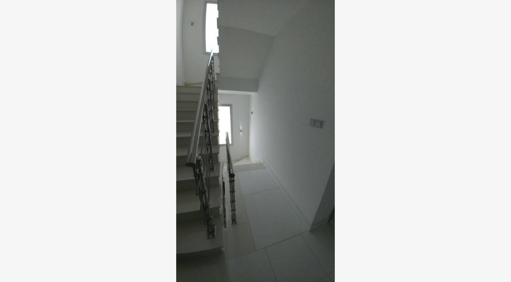Современный Просторный 4-Спальный Дом в Episkopi - 29
