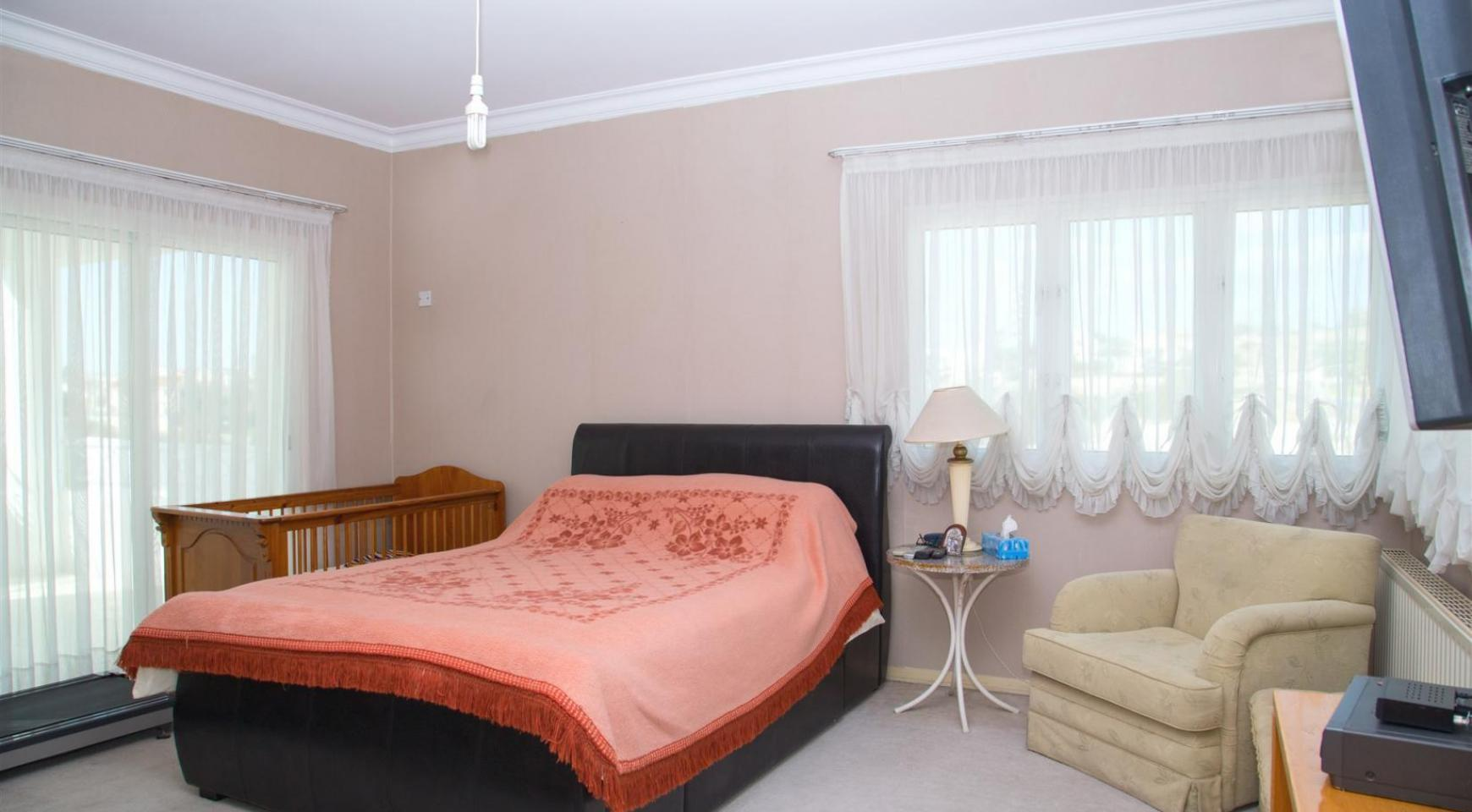 Просторная 4-Спальная Вилла в Районе Germasogeia - 19