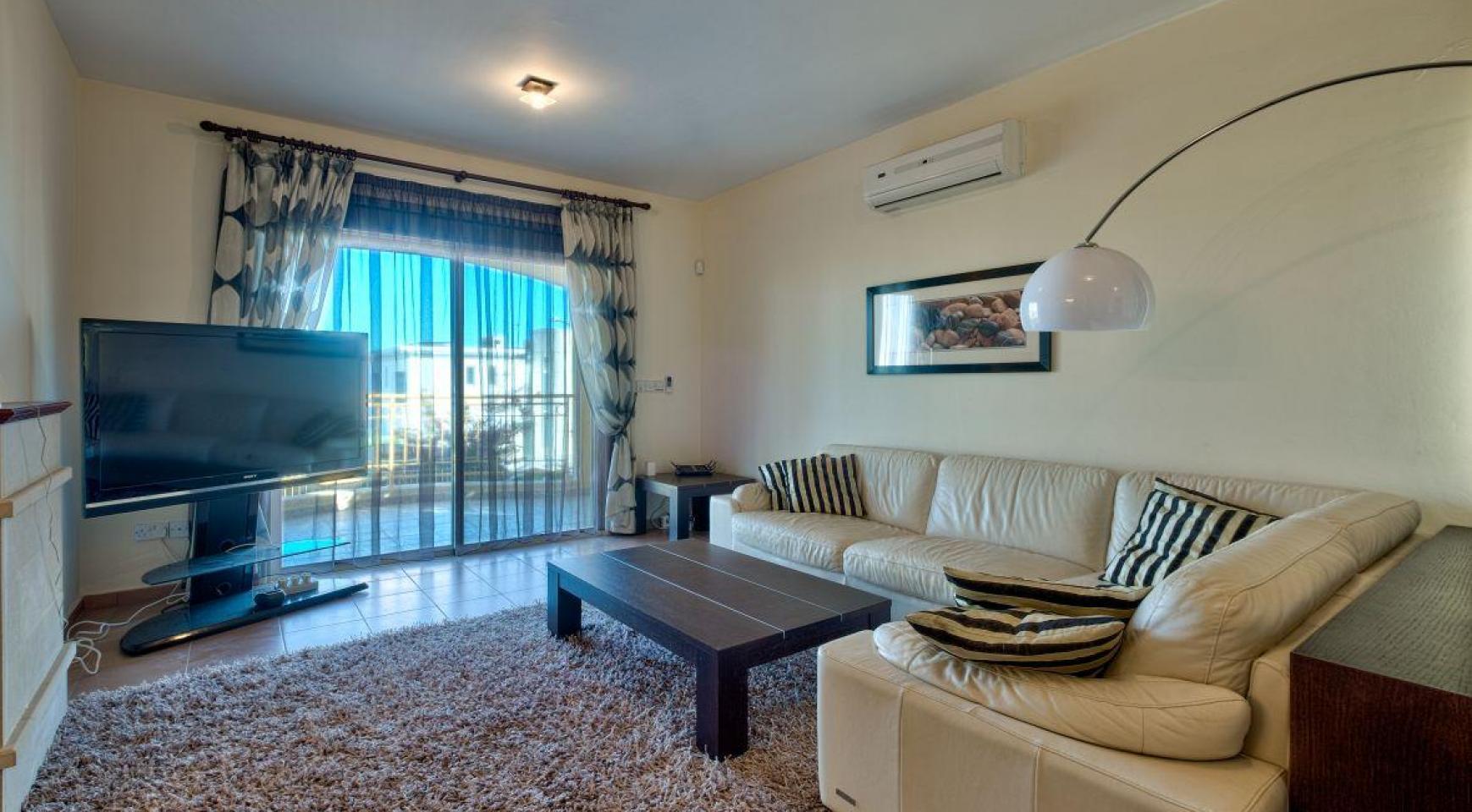Уютная 4-Спальная Вилла с Изумительным Видом на Море и Город в Районе Germasogeia - 12