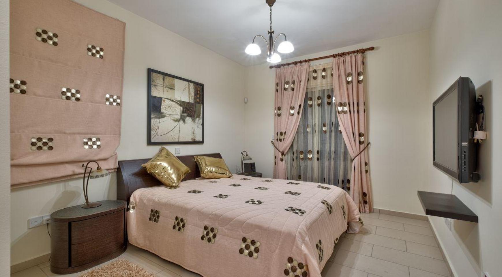Уютная 4-Спальная Вилла с Изумительным Видом на Море и Город в Районе Germasogeia - 17