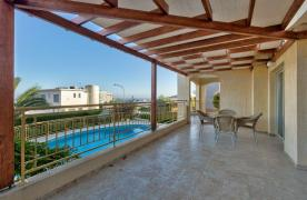 Уютная 4-Спальная Вилла с Изумительным Видом на Море и Город в Районе Germasogeia - 25