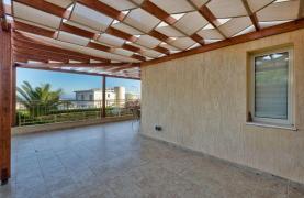Уютная 4-Спальная Вилла с Изумительным Видом на Море и Город в Районе Germasogeia - 23