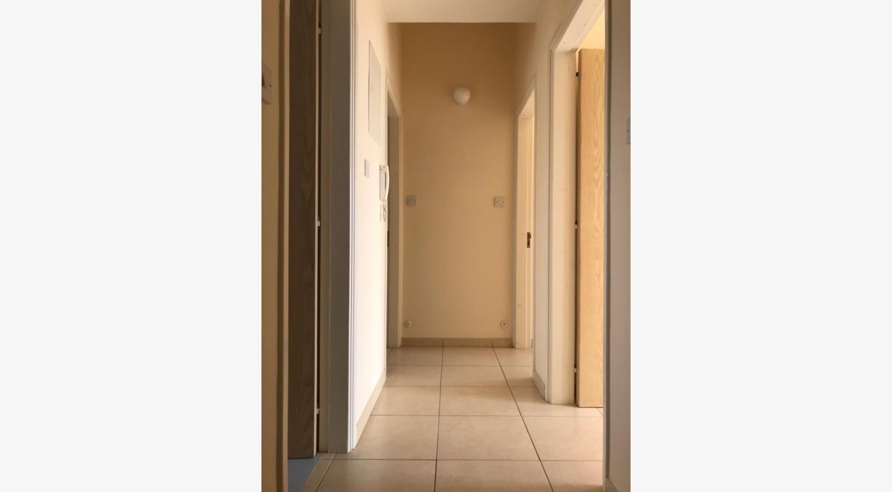 3-Спальный Дом с Бассейном в Деревне Erimi - 33