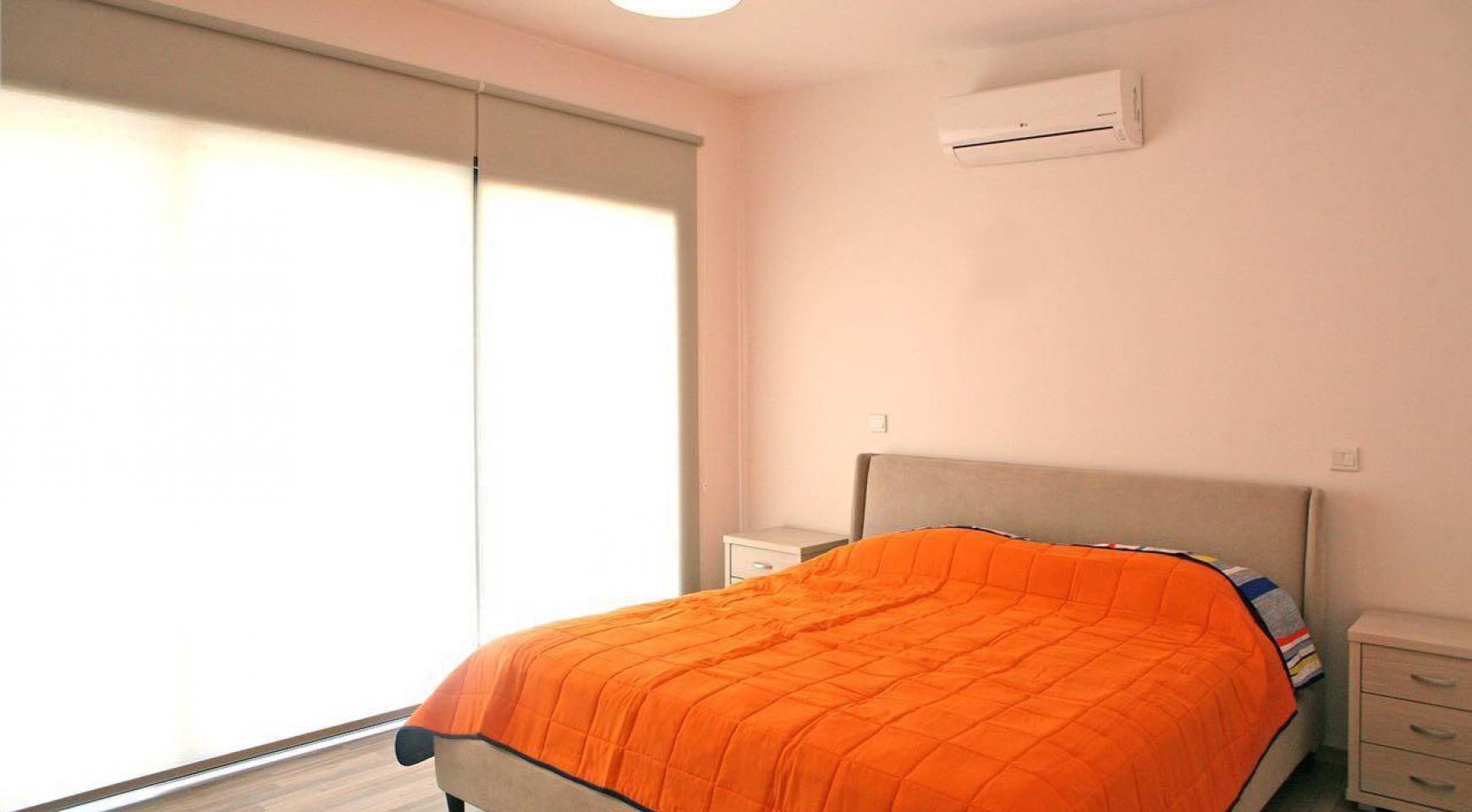 Новый Современный 3-Спальный Дом в Центре Города - 15