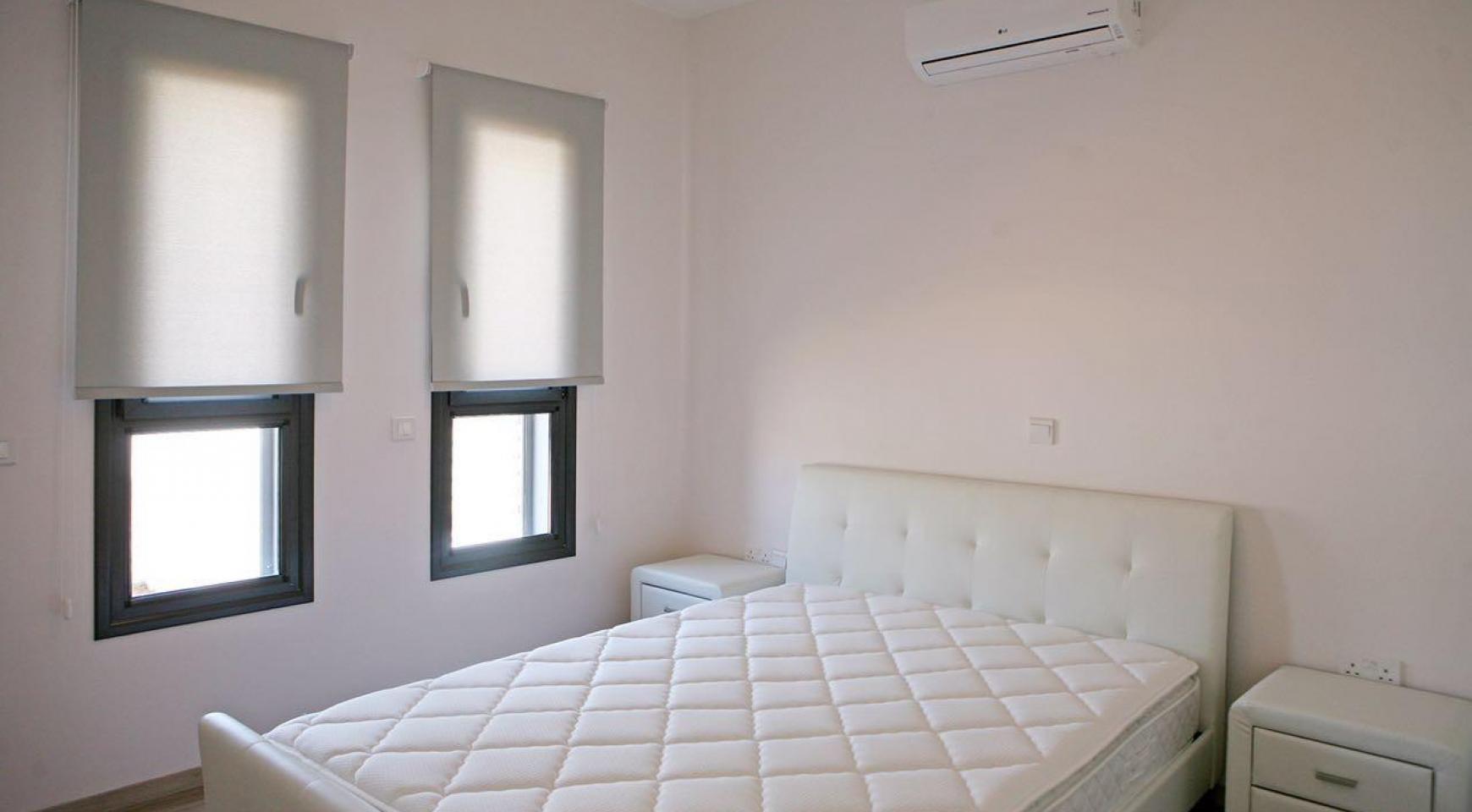 Новый Современный 3-Спальный Дом в Центре Города - 11