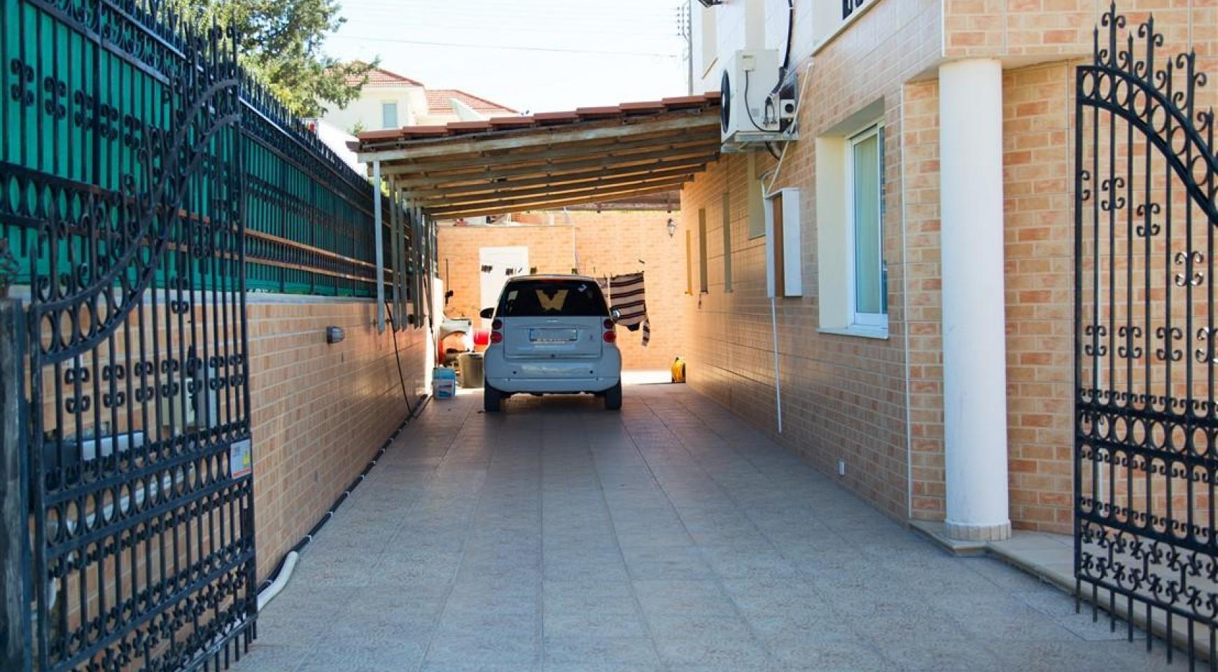 Просторный 5-Спальный Дом в Районе Агиос Атанасиос - 5
