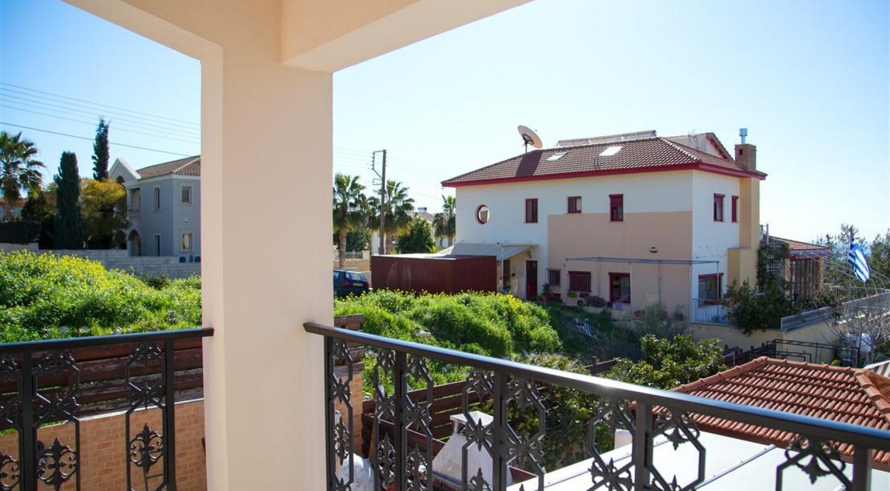 Просторный 5-Спальный Дом в Районе Агиос Атанасиос - 4