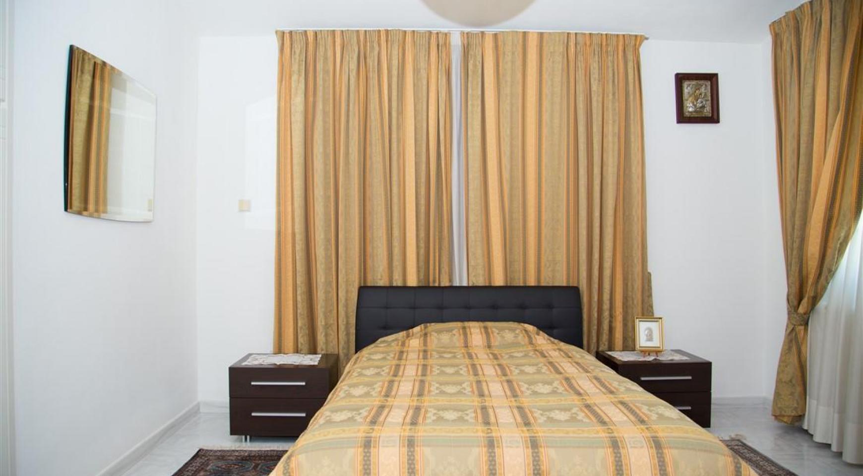 Просторный 5-Спальный Дом в Районе Агиос Атанасиос - 17