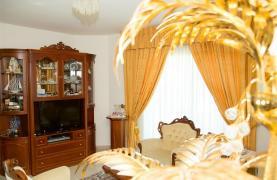 Просторный 5-Спальный Дом в Районе Агиос Атанасиос - 40