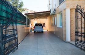 Просторный 5-Спальный Дом в Районе Агиос Атанасиос - 32