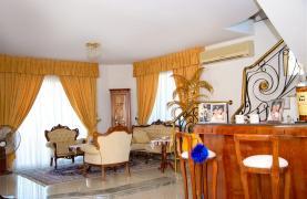 Просторный 5-Спальный Дом в Районе Агиос Атанасиос - 38