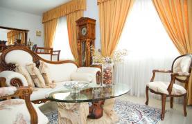 Просторный 5-Спальный Дом в Районе Агиос Атанасиос - 35