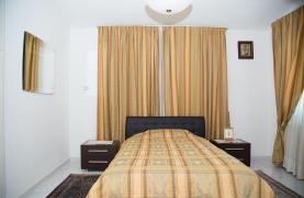 Просторный 5-Спальный Дом в Районе Агиос Атанасиос - 44