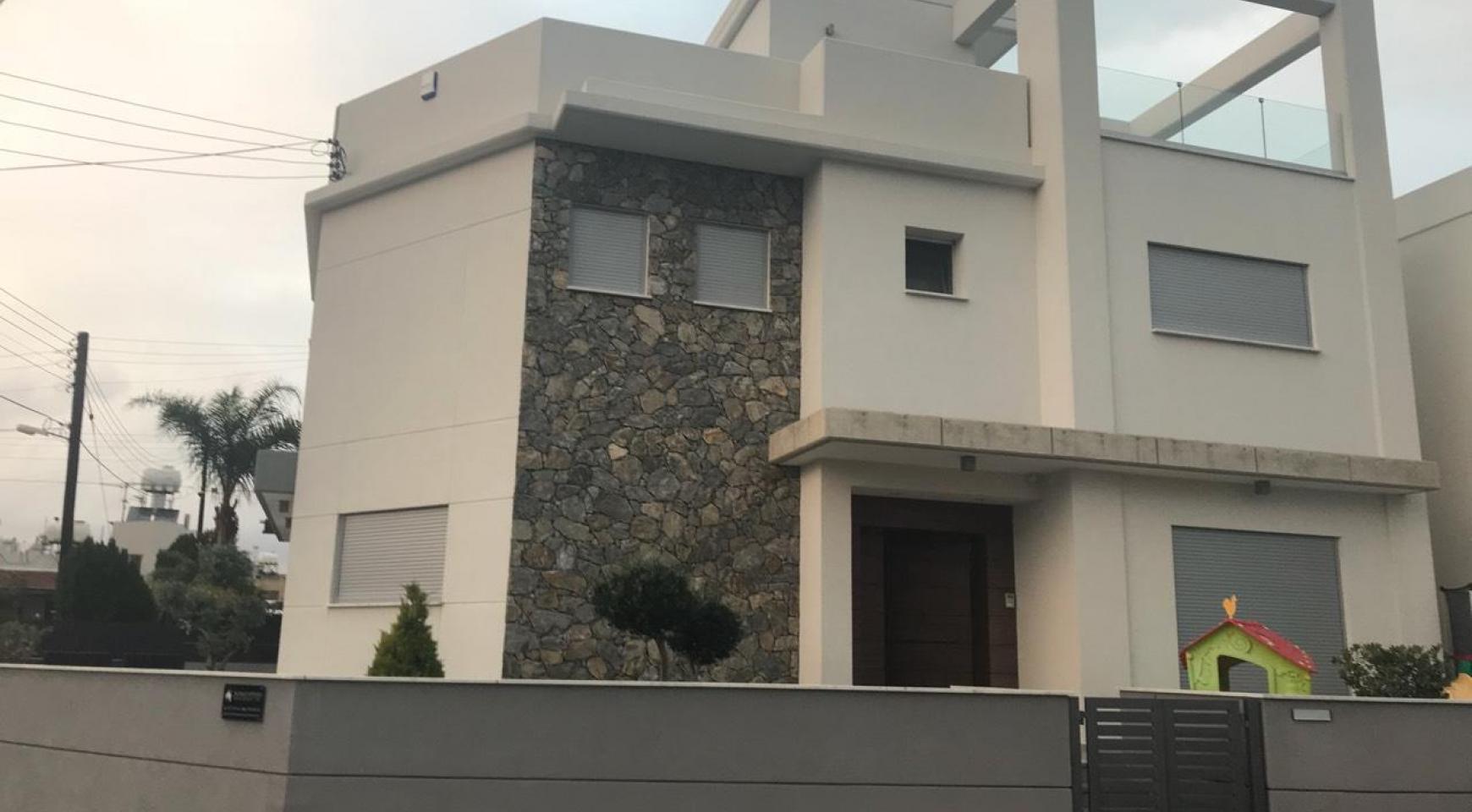Современный 3-Спальный Дом в Районе Polemidia - 1