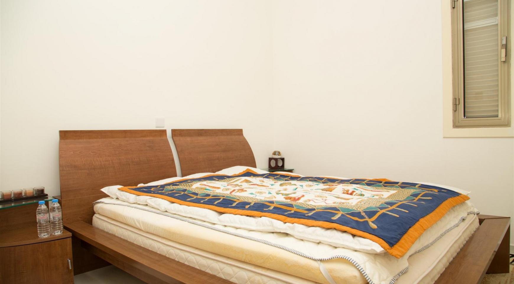 Современная 3-Спальная Квартира Категории Люкс на Берегу Моря в Комплексе Thera   - 23