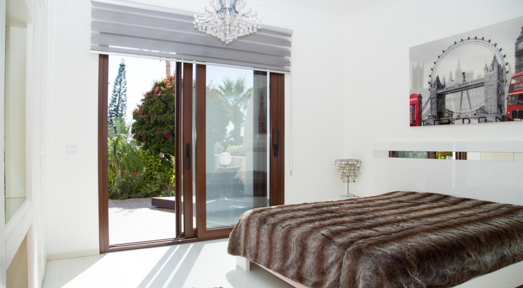 Современная 3-Спальная Квартира Категории Люкс на Берегу Моря в Комплексе Thera   - 25