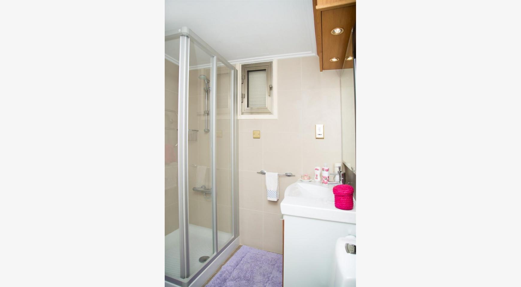Современная 3-Спальная Квартира Категории Люкс на Берегу Моря в Комплексе Thera   - 32