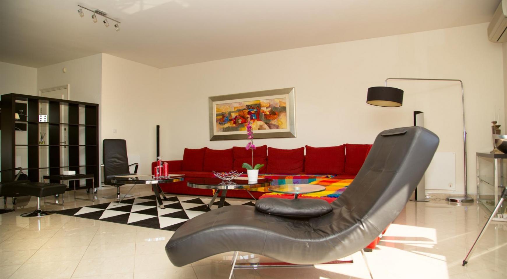 Современная 3-Спальная Квартира возле Моря в Районе  Enaerios - 4