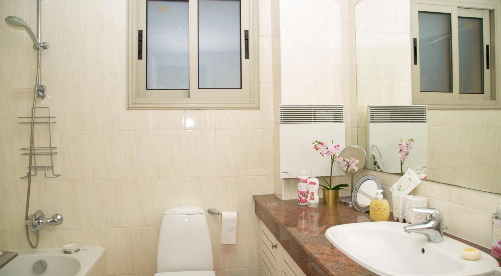 Современная 3-Спальная Квартира возле Моря в Районе  Enaerios - 16