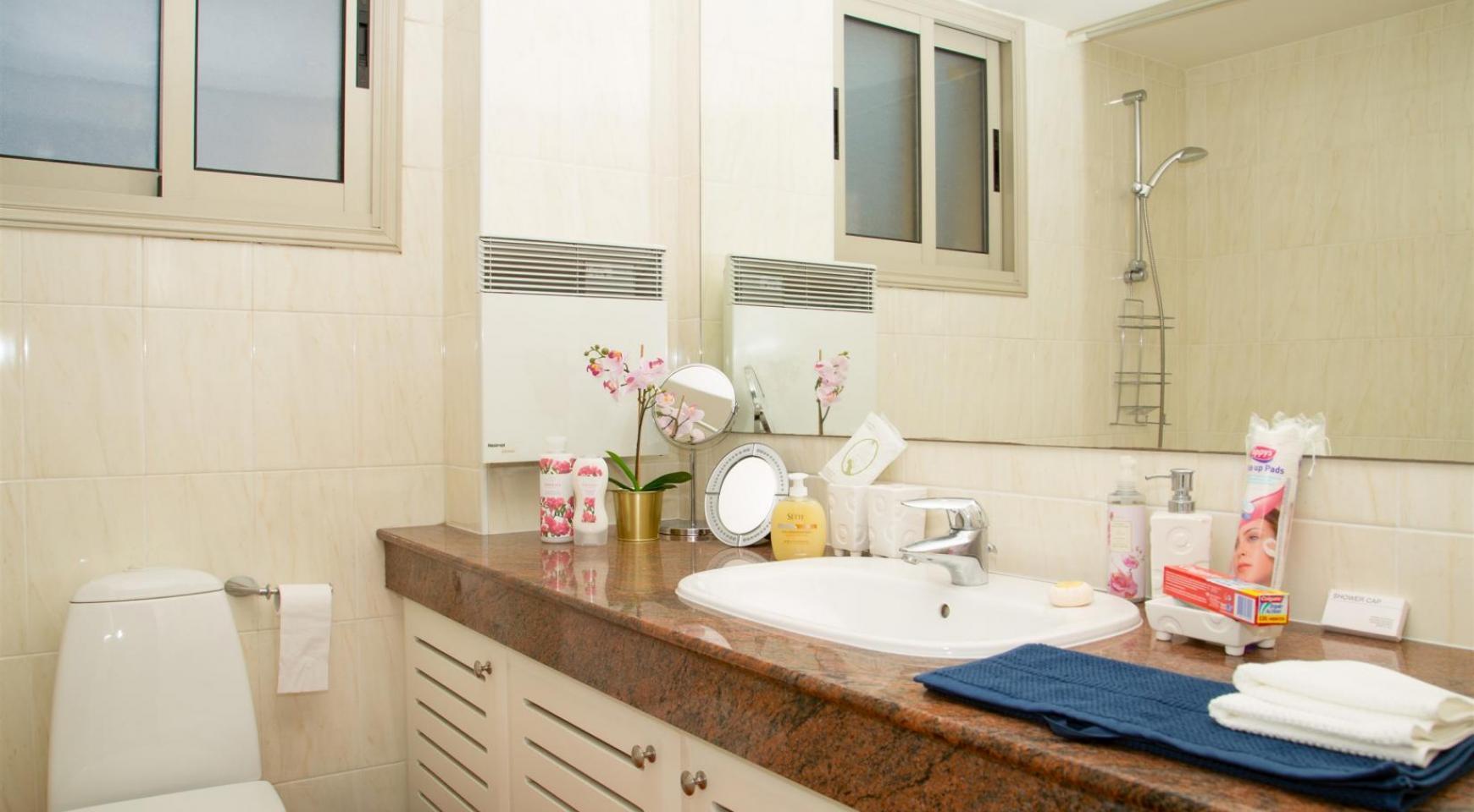 Современная 3-Спальная Квартира возле Моря в Районе  Enaerios - 15