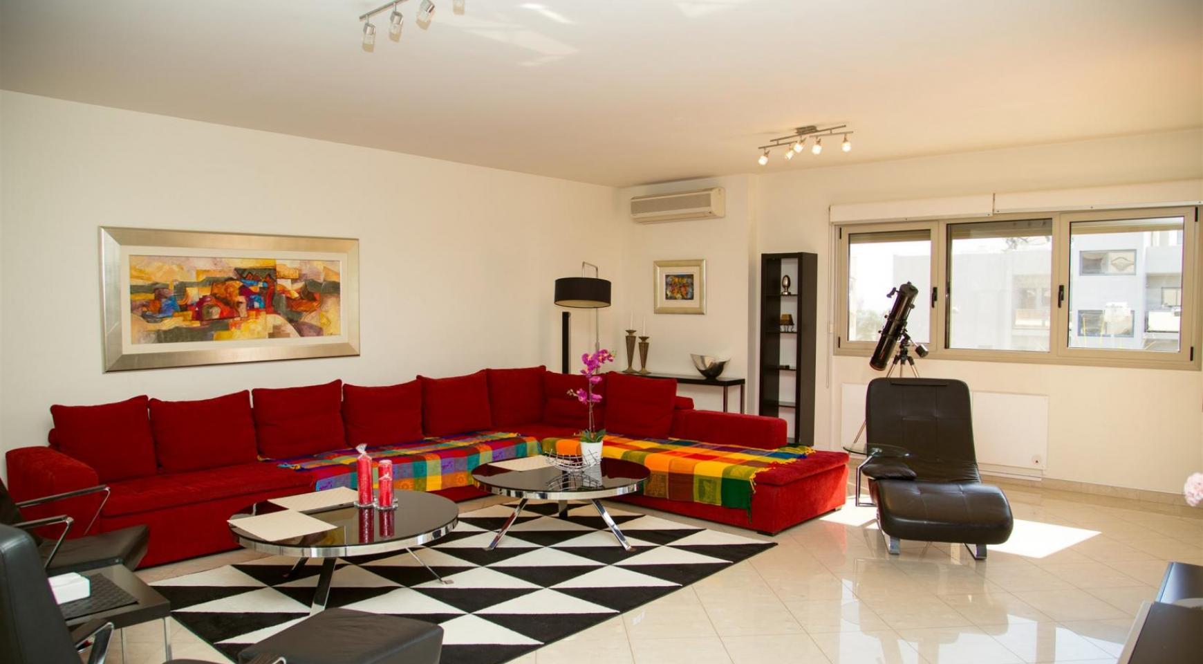 Современная 3-Спальная Квартира возле Моря в Районе  Enaerios - 1