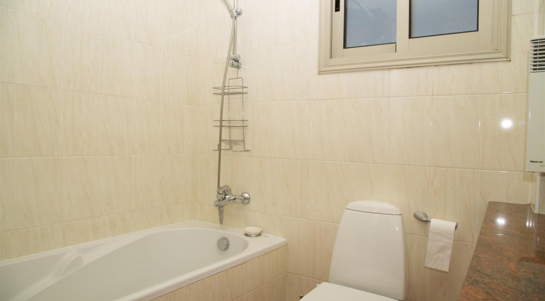 Современная 3-Спальная Квартира возле Моря в Районе  Enaerios - 17