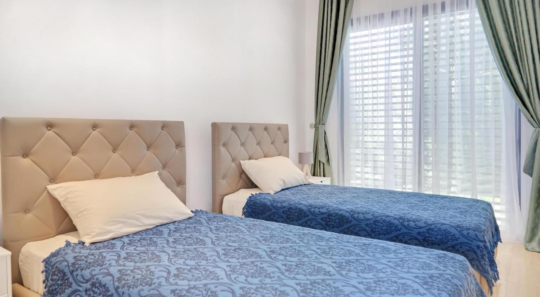 Новая Элитная 4-Спальная Вилла в Туристической Зоне - 36