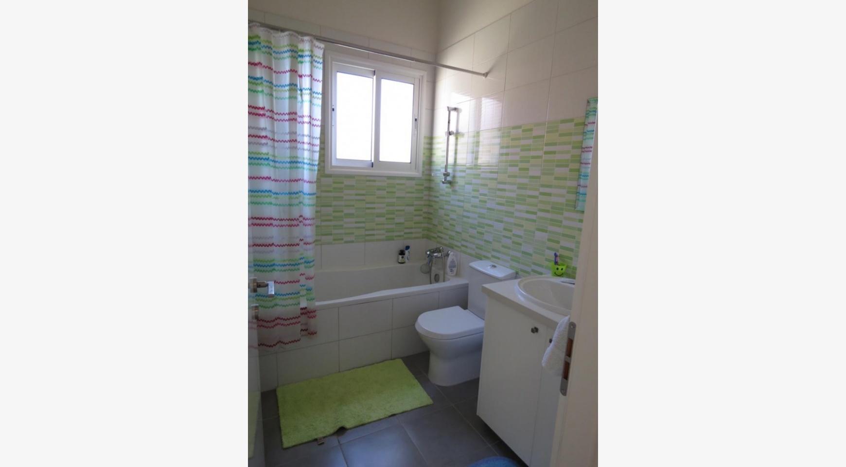 Просторный 4-Спальный Дом в Районе  Moutagiaka - 12