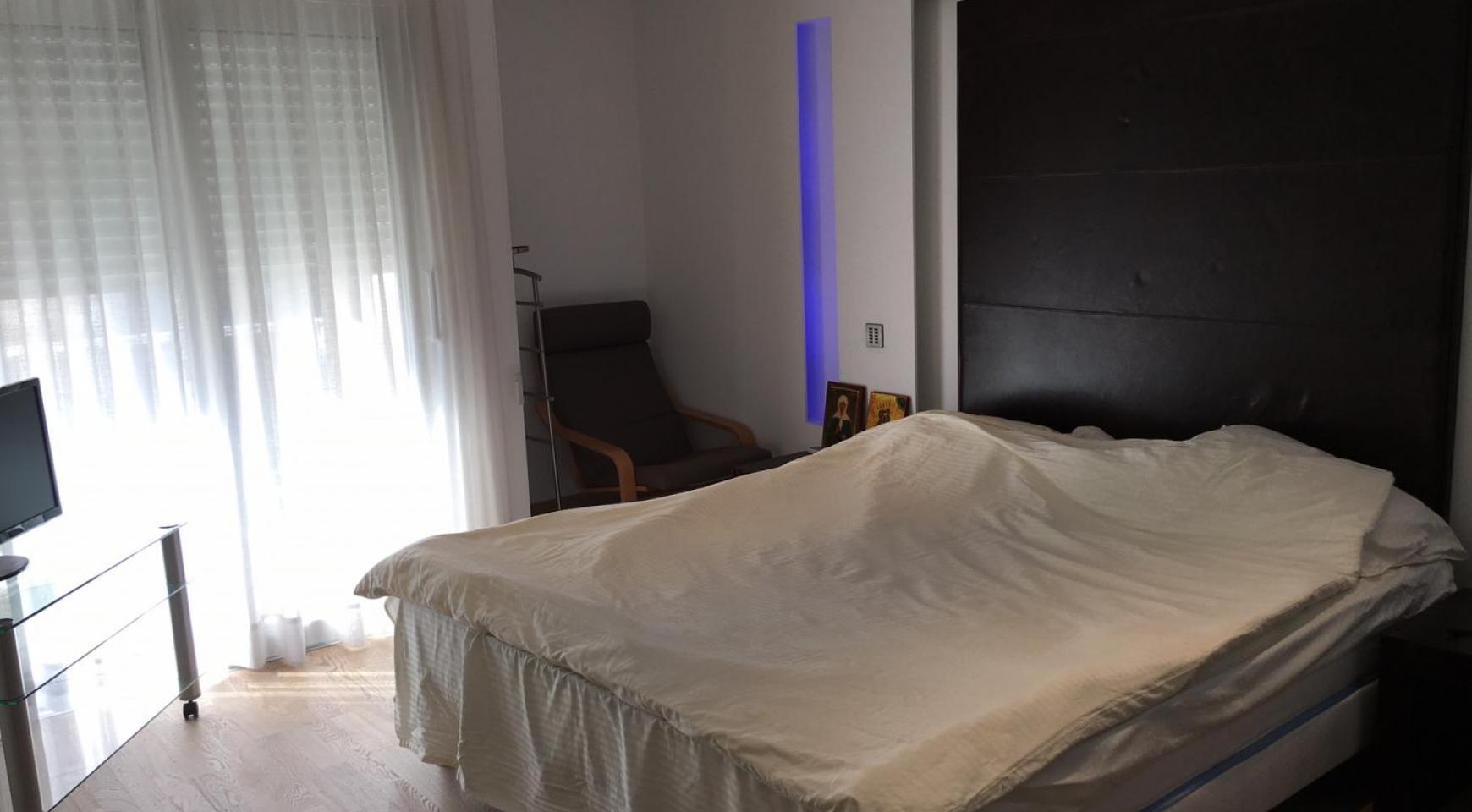 3-Спальная Квартира Люкс на Первой Линии от Моря - 8