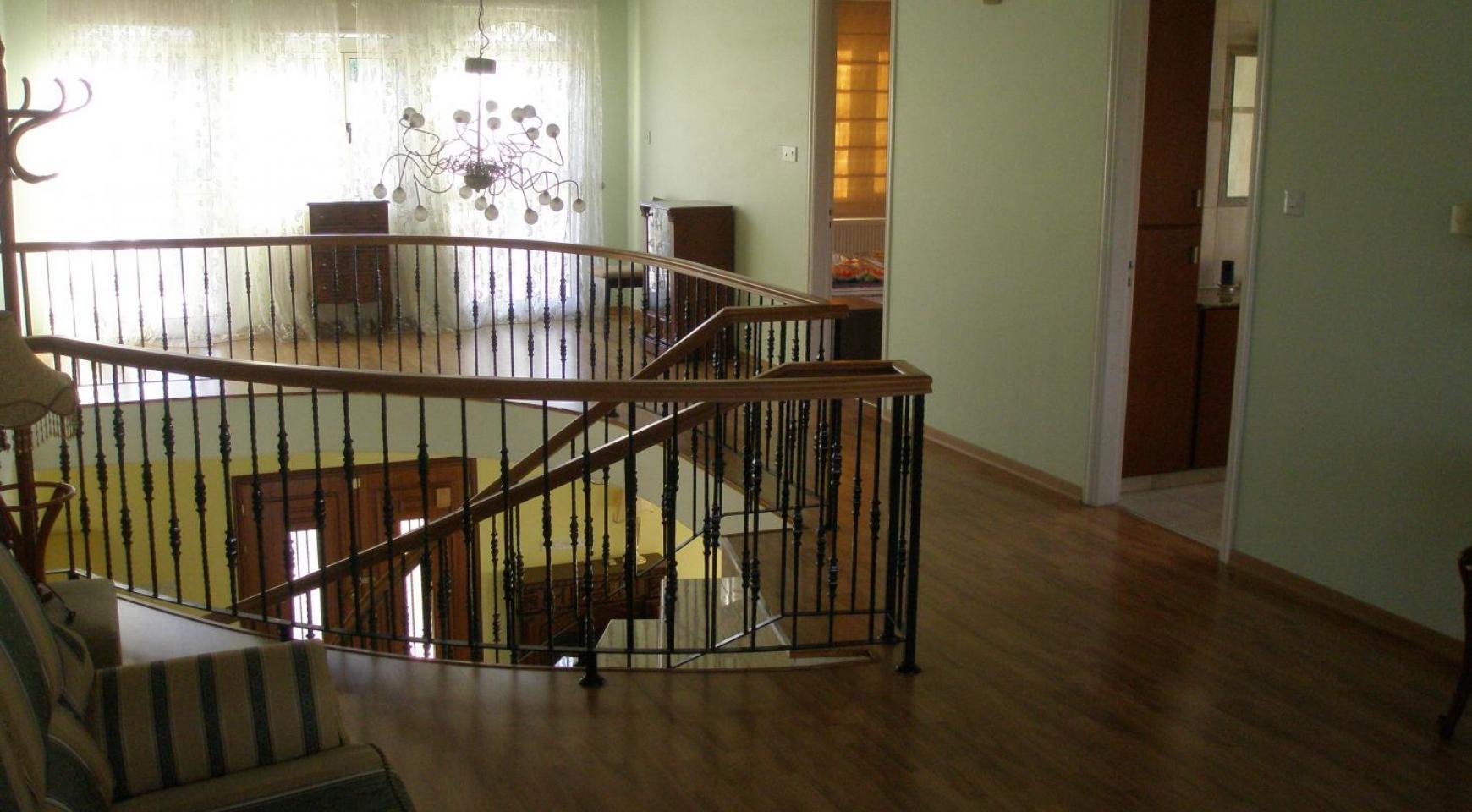Просторная 5-Спальная Вилла с Изумительными Видами в Районе Pyrgos - 22