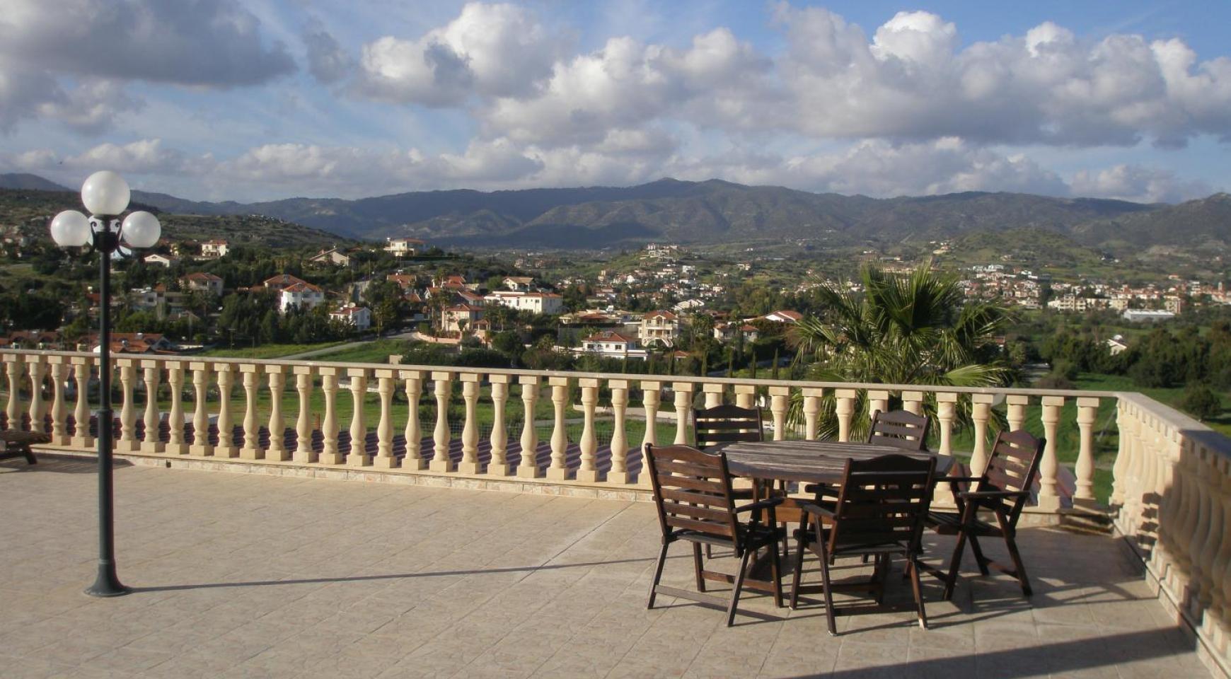 Просторная 5-Спальная Вилла с Изумительными Видами в Районе Pyrgos - 11
