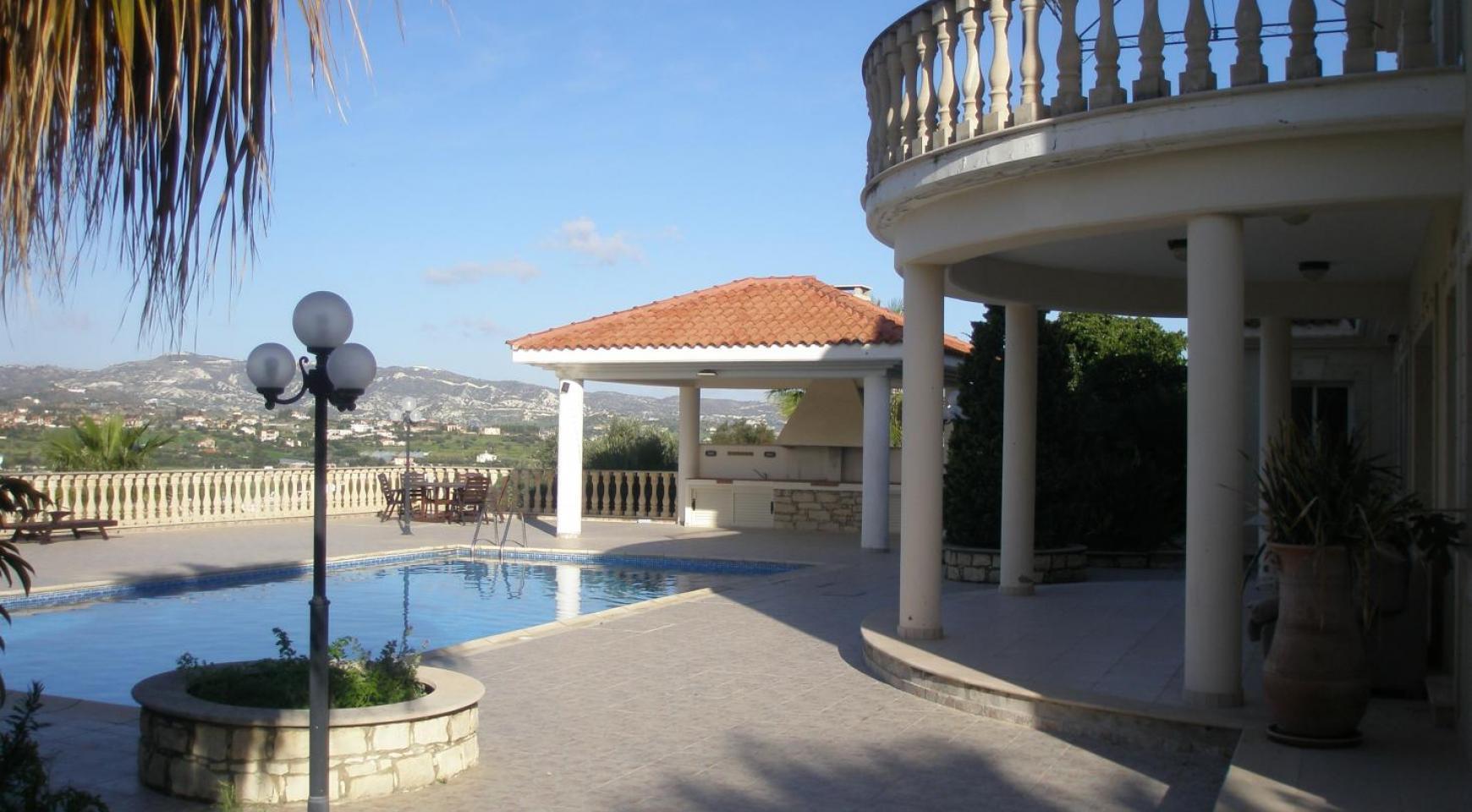 Просторная 5-Спальная Вилла с Изумительными Видами в Районе Pyrgos - 3