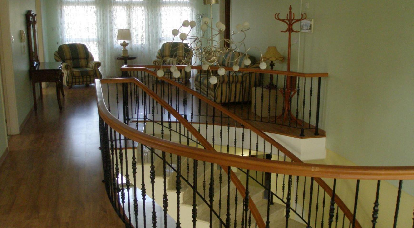 Просторная 5-Спальная Вилла с Изумительными Видами в Районе Pyrgos - 20