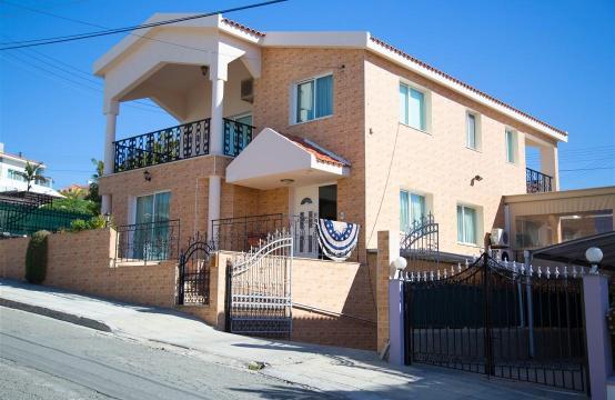 Просторный 3-Спальный Дом в Районе Agios Athanasios