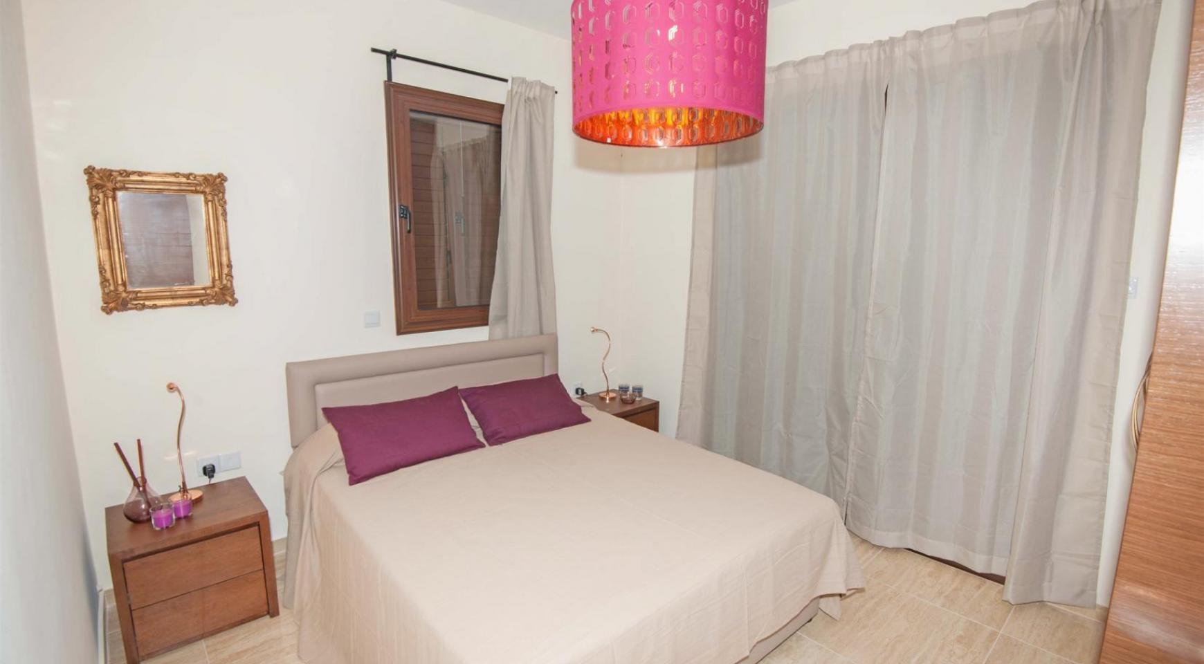 Новая 4-Спальная Вилла на Берегу Моря в Районе Ayia Thekla - 9