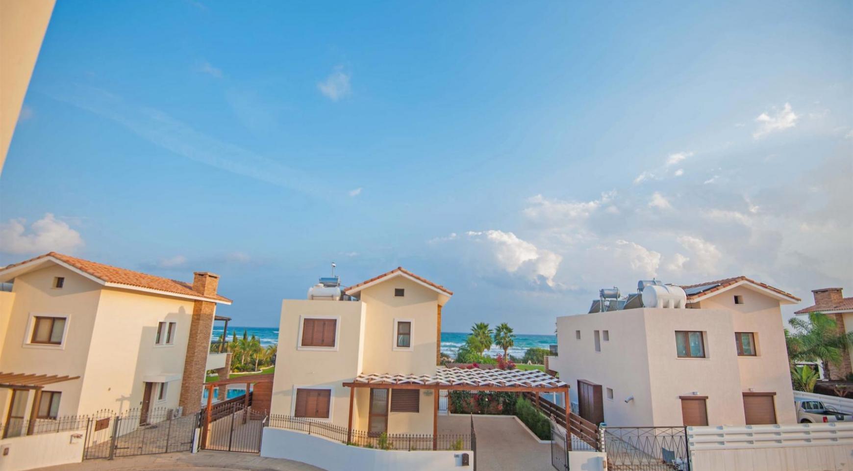 Новая 4-Спальная Вилла на Берегу Моря в Районе Ayia Thekla - 20