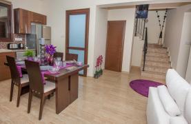 Новая 4-Спальная Вилла на Берегу Моря в Районе Ayia Thekla - 28