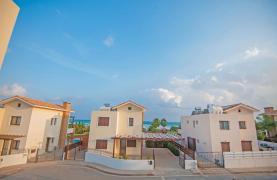 Новая 4-Спальная Вилла на Берегу Моря в Районе Ayia Thekla - 40