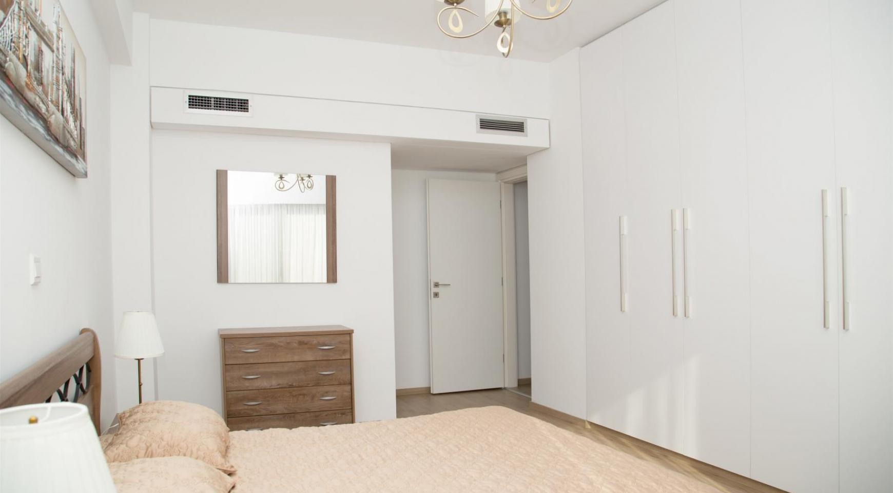 Полностью Отремонтированная 3-Спальная Квартира Класса Люкс на Первой Линии от Моря - 15