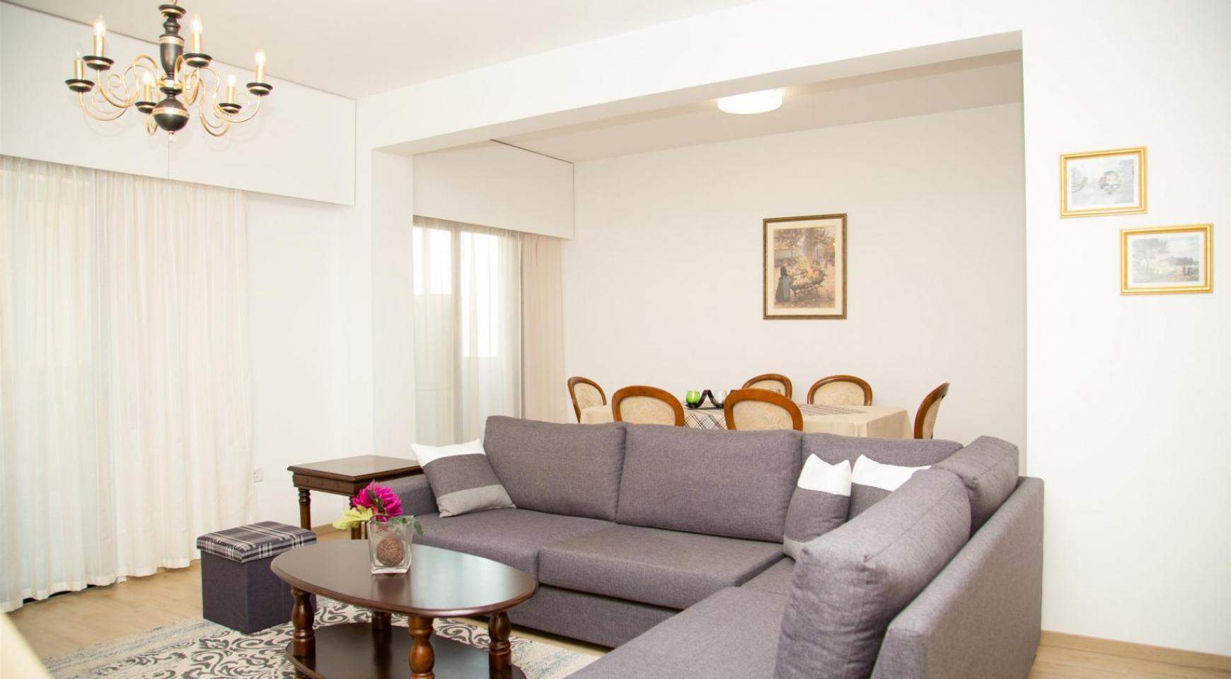 Полностью Отремонтированная 3-Спальная Квартира Класса Люкс на Первой Линии от Моря - 3