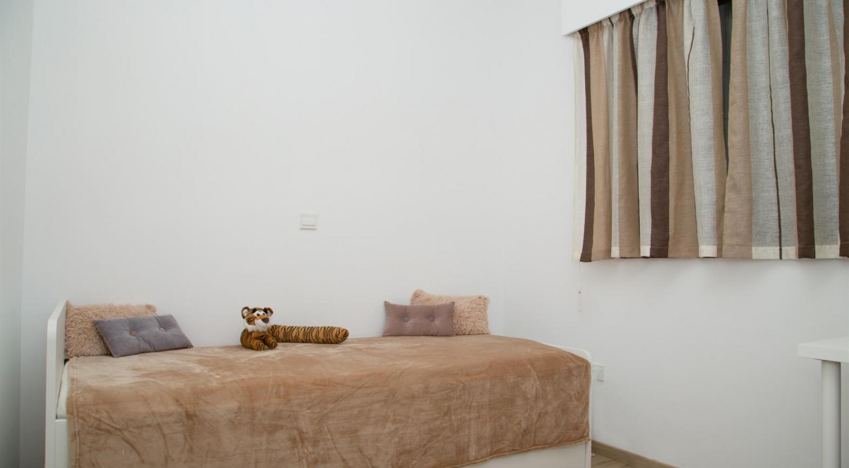 Полностью Отремонтированная 3-Спальная Квартира Класса Люкс на Первой Линии от Моря - 21