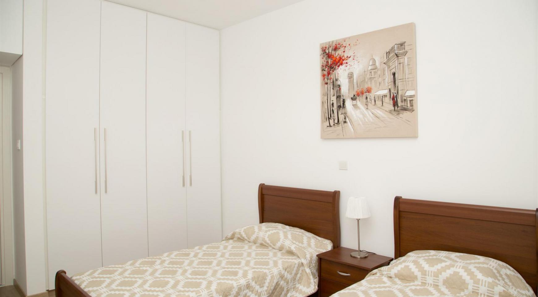 Полностью Отремонтированная 3-Спальная Квартира Класса Люкс на Первой Линии от Моря - 19