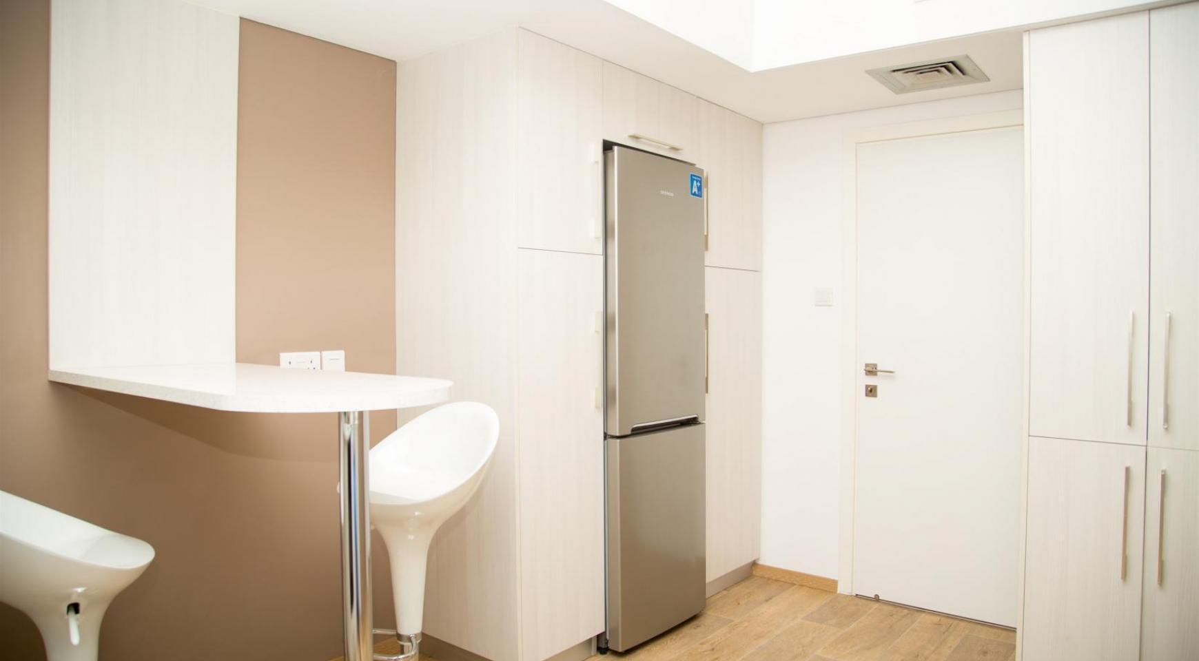 Полностью Отремонтированная 3-Спальная Квартира Класса Люкс на Первой Линии от Моря - 11