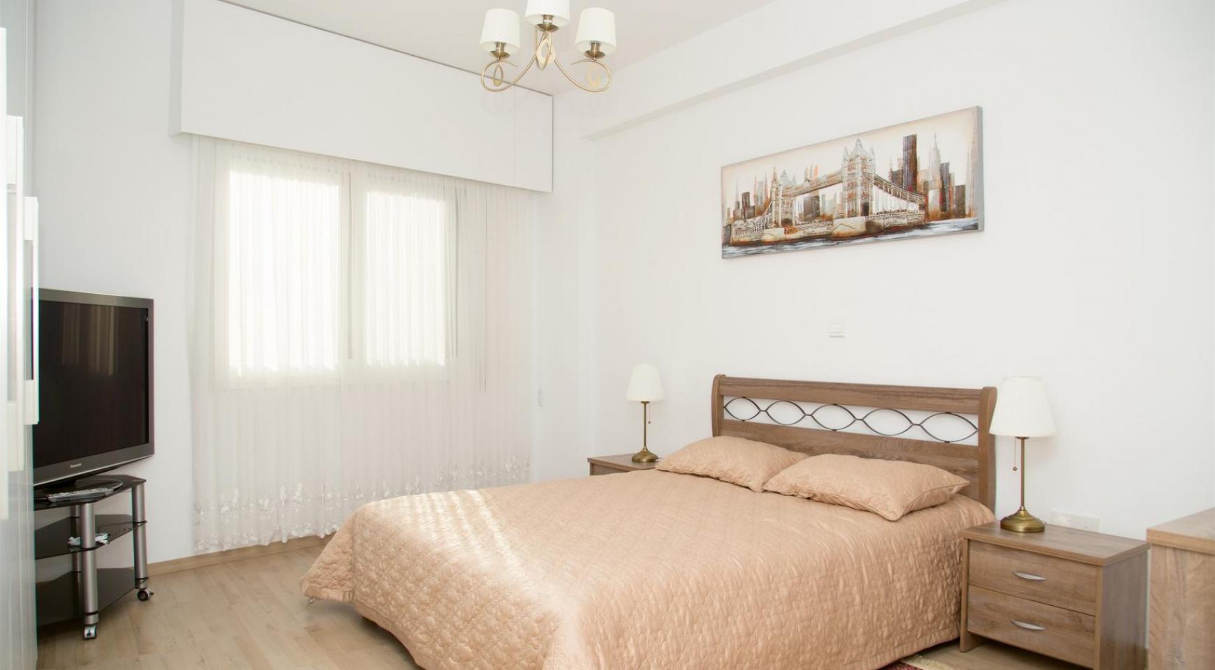 Полностью Отремонтированная 3-Спальная Квартира Класса Люкс на Первой Линии от Моря - 16