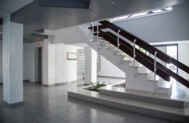 Полностью Отремонтированная 3-Спальная Квартира Класса Люкс на Первой Линии от Моря - 75
