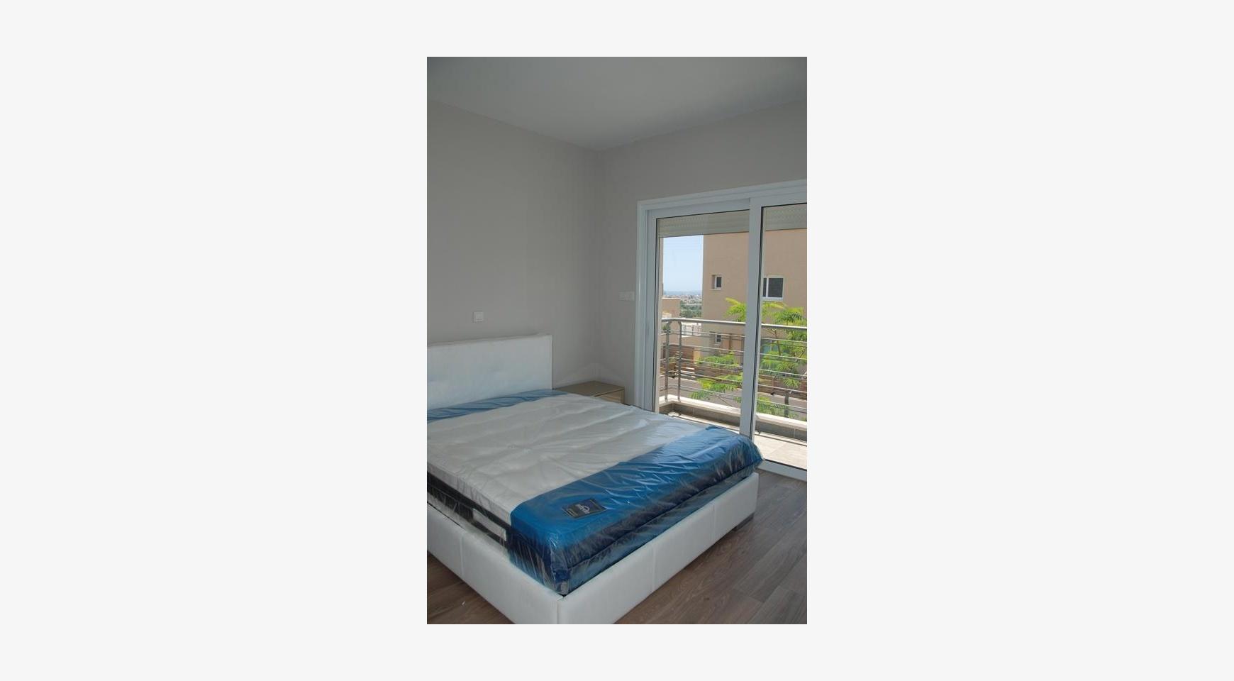 Современный 2-Спальный Дом с Видом на Море и Горы в Месовуния - 10